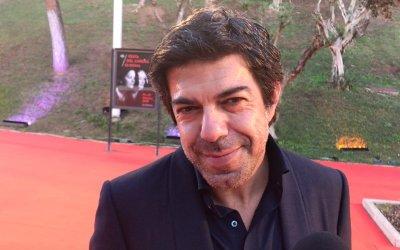 Pierfrancesco Favino: dita incrociate per Il Traditore agli Oscar 2020