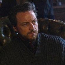 Queste oscure materie: James McAvoy in una scena della serie