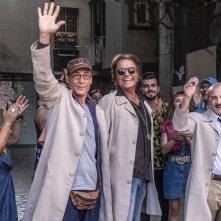 Sono solo fantasmi: Carlo Buccirosso, Christian De Sica, Gianmarco Tognazzi in una scena del film