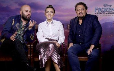 """Frozen 2, le voci italiane Enrico Brignano, Serena Rossi e Giuliano Sangiorgi: """"Olaf è diventato un filosofo"""""""
