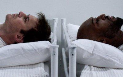 """V Wars, la recensione: Ian Somerhalder torna nel mondo dei vampiri, ma la serie non """"morde"""""""