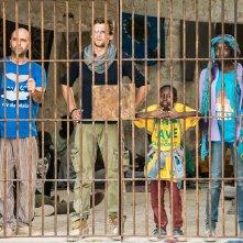 Tolo Tolo: Checco Zalone con Manda Touré durante una scena del film