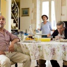 Checco Zalone e Maurizio Micheli in una scena di Quo Vado?