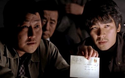 Memorie di un assassino, la recensione: caccia al serial killer nel cult di Bong Joon-ho
