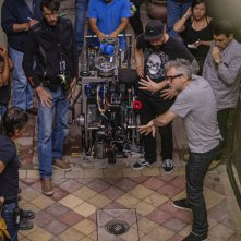 Roma: La genesi del film - Alfonso Cuaròn durante una scena del documentario
