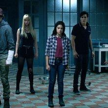 The New Mutants: Maisie Williams, Anya Taylor-Joy, Charlie Heaton, Henry Zaga, Blu Hunt in una scena del film