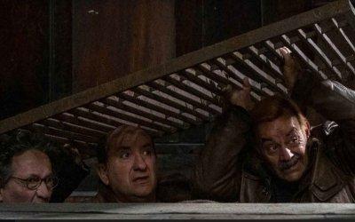 I Topi 2, la recensione: Antonio Albanese torna a dirigere e interpretare la sitcom sulla mafia sotterranea