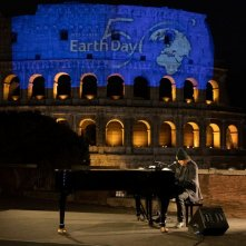 Zucchero in Piazza Colosseo a Roma in occasione del 50° Anniversario della Giornata Mondiale della Terra