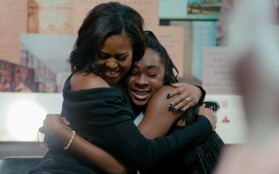 Becoming - La mia storia, la recensione: su Netflix uno sguardo sulla vita di Michelle Obama