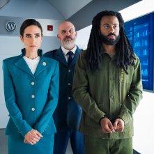 Snowpiercer: Jennifer Connelly e Daveed Diggs in una scena della serie