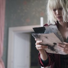 The Turning: una scena con Mackenzie Davis