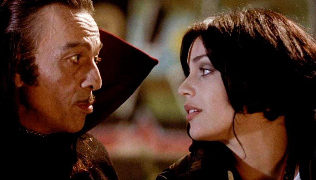 Zora La Vampira Micaela Ramazzotti Toni Bertorelli