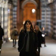 Petra: Paola Cortellesi in una scena della serie Sky