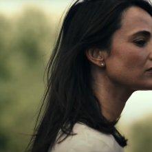 Il legame: una scena del film con Mia Maestro