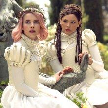 Paradise Hills: Emma Roberts, Eiza González in una scena del film