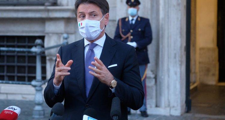Giuseppe Conte In Diretta Oggi Per La Conferenza Stampa A Che Ora E Dove Vederla Movieplayer It