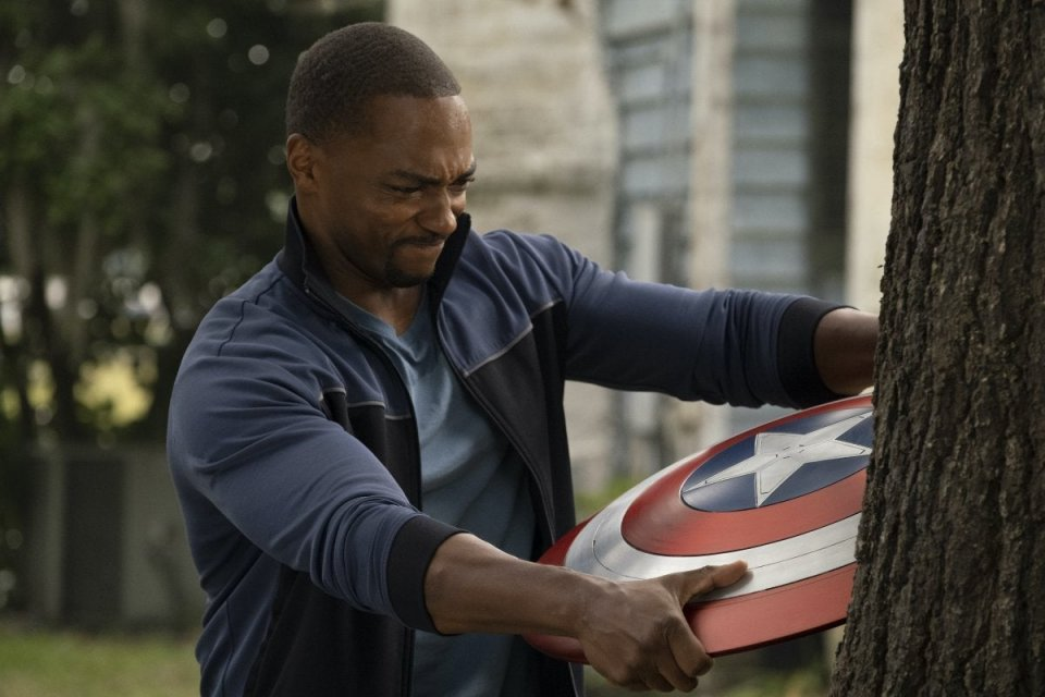 The Falcon And The Winter Soldier Anthony Mackie Scudo