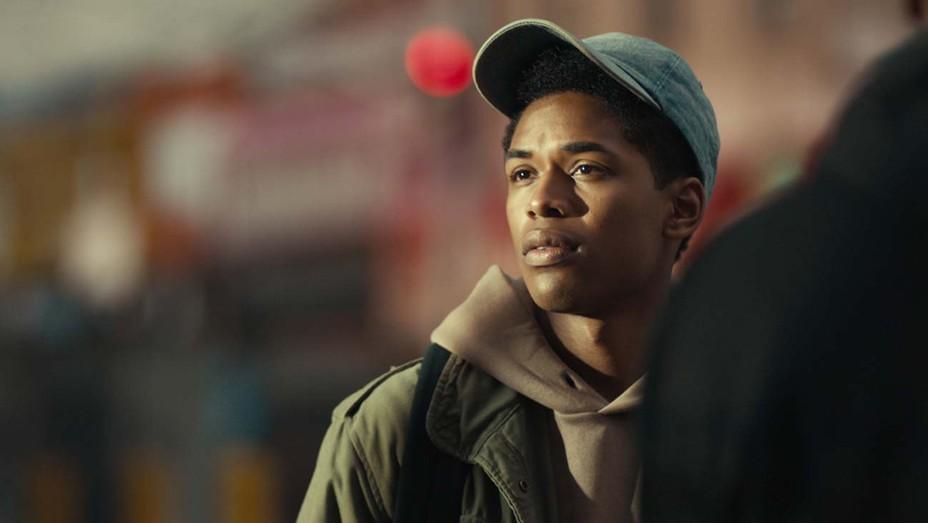 Monster: il trailer del film con Kelvin Harrison Jr. e Jeffrey Wright in  arrivo su Netflix - Movieplayer.it