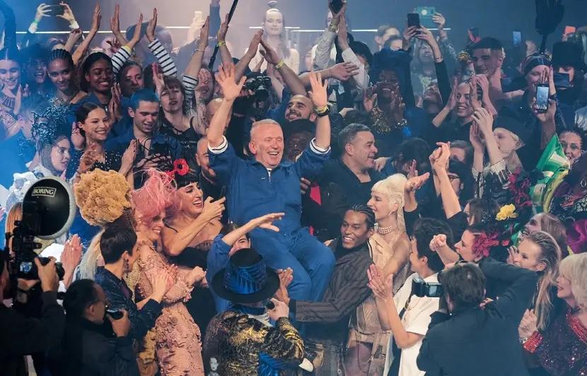 Jean Paul Gaultier Lultima Passerella 1 9Ftkoce